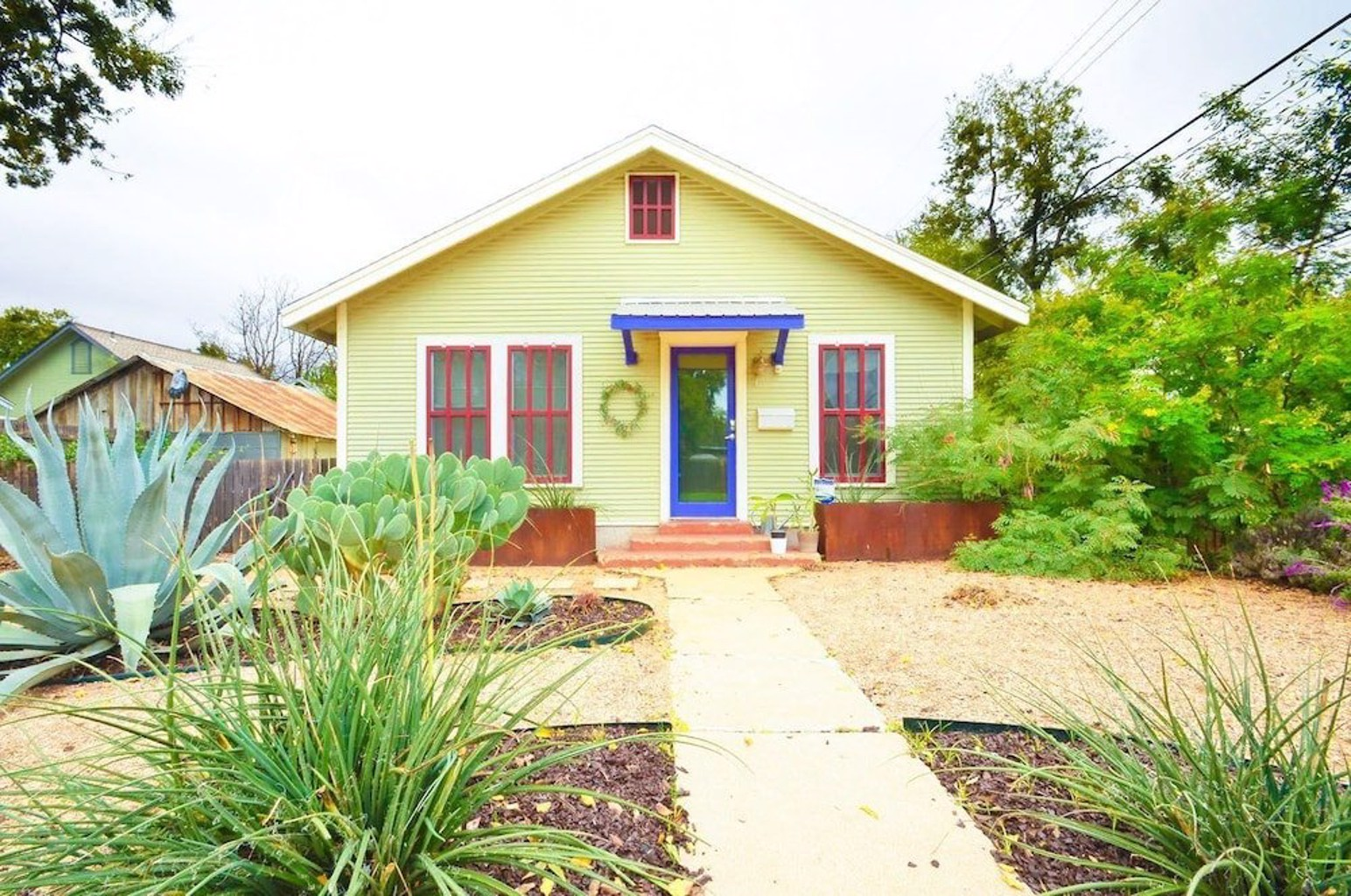 East Austin Bungalow Walk Downtown by RedAwning
