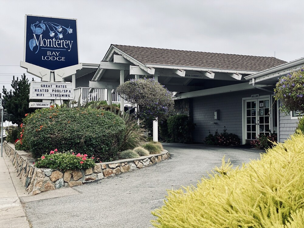 Gallery image of Monterey Bay Lodge