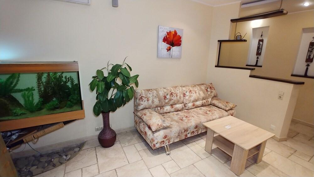 One bedroom. Luxe. 10 Baseina str. Centre of Kiev