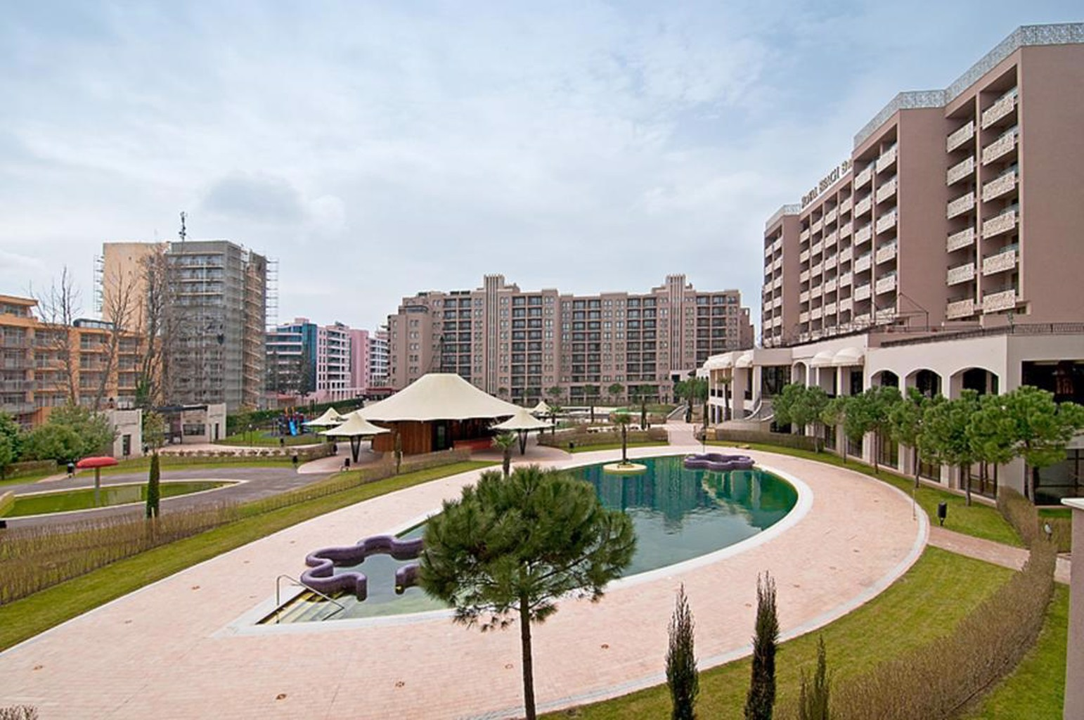 Gallery image of Royal Beach Apartments