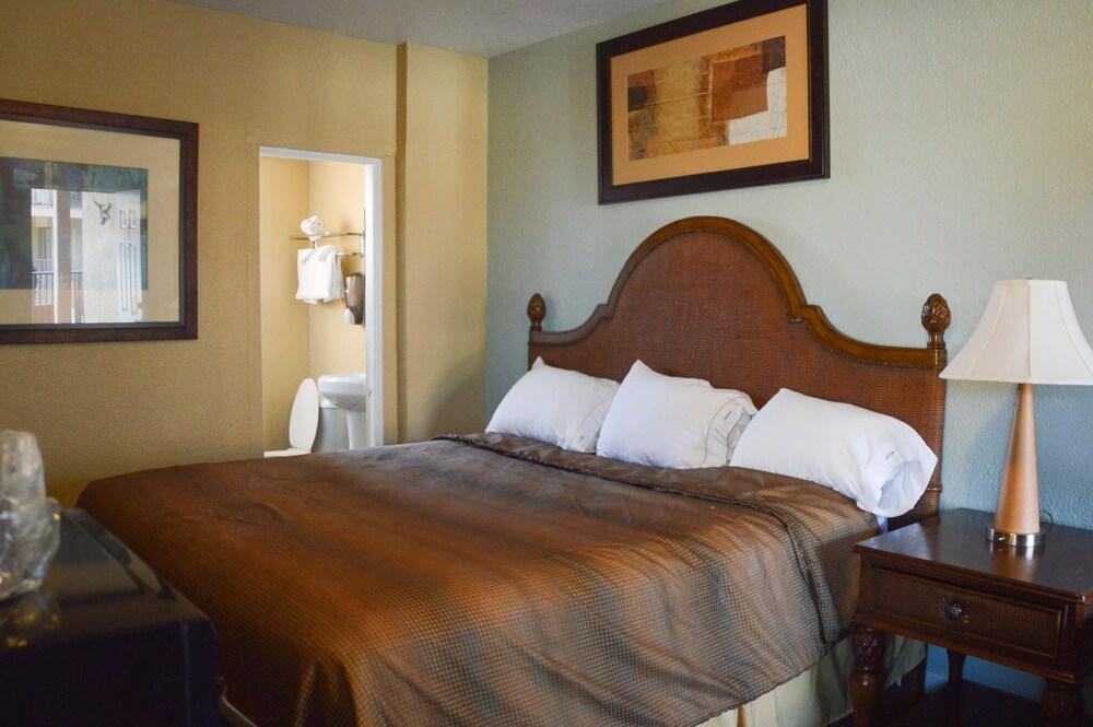 Gallery image of San Marina Motel
