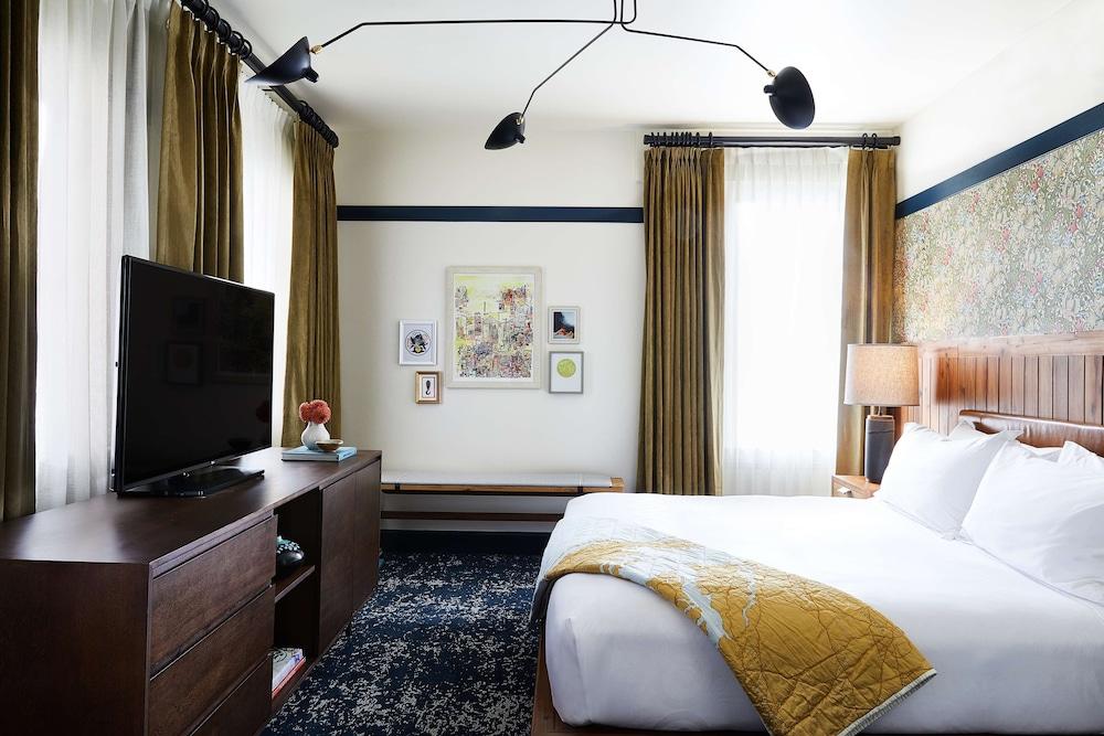 Hotel Revival a Joie de Vivre Hotel