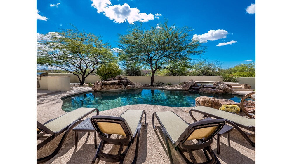 Private Luxury 7br W quality Service & Amenities 7 Bedroom Home
