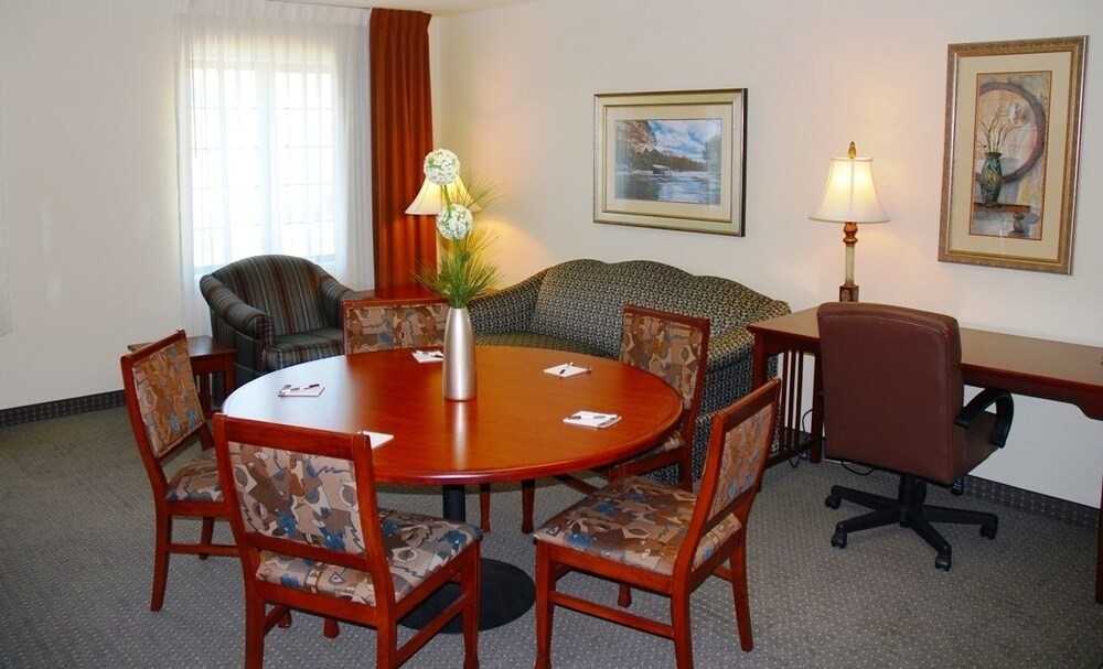 Gallery image of Staybridge Suites Savannah Airport Pooler