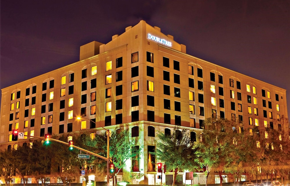 Doubletree By Hilton Santa Ana Orange County Airport
