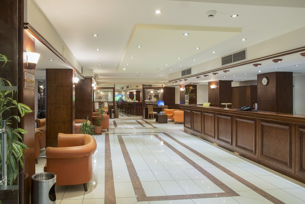 Gallery image of Manousos City Hotel