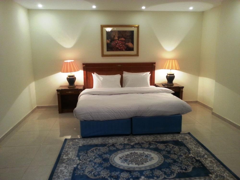 La Fontaine Al Jawharah Suites