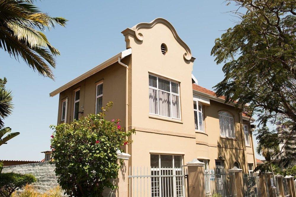 Harcourt Lodge