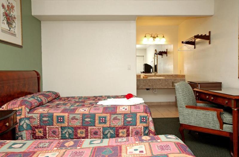 Gallery image of Monterey Oceanside Inn