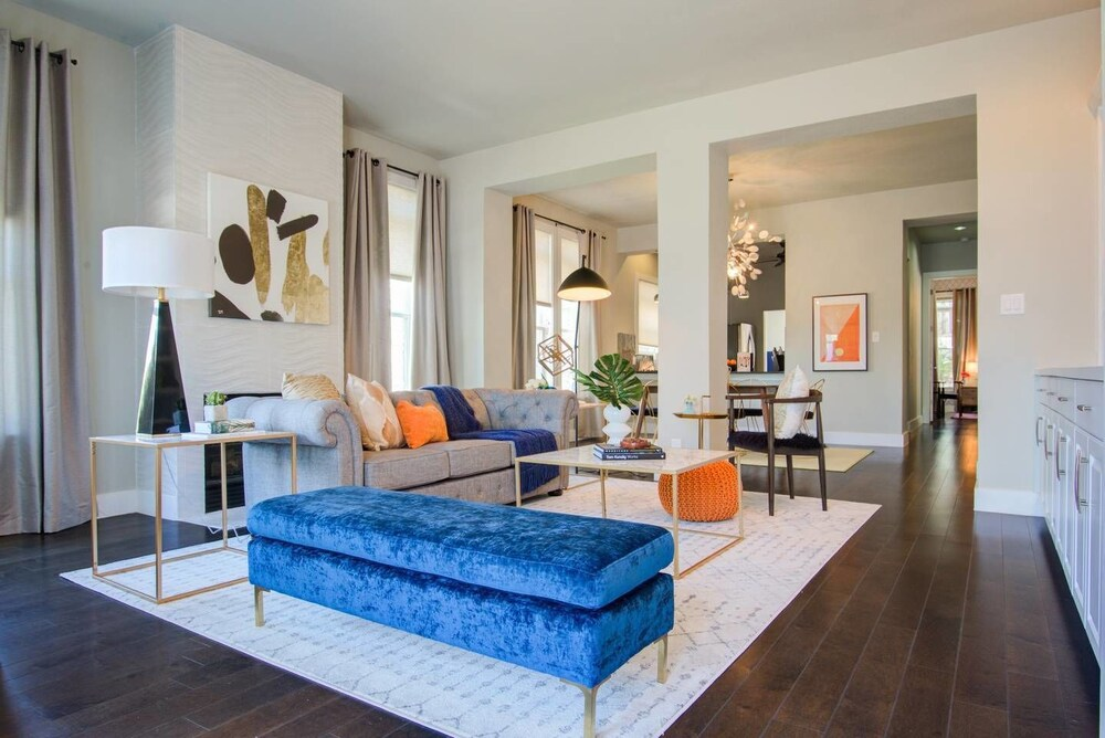 Massive 14 Bed 3.5ba Downtown Home by Domio