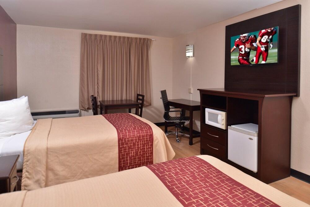 Gallery image of Red Roof Inn Van Horn
