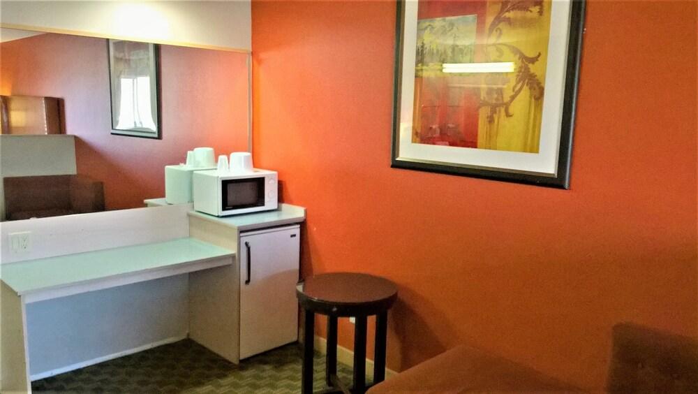 Gallery image of Briarwood Suites