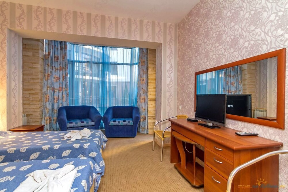 Gallery image of Holiday Hotel