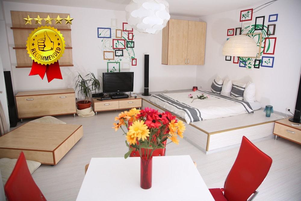 Studio T By Mrg