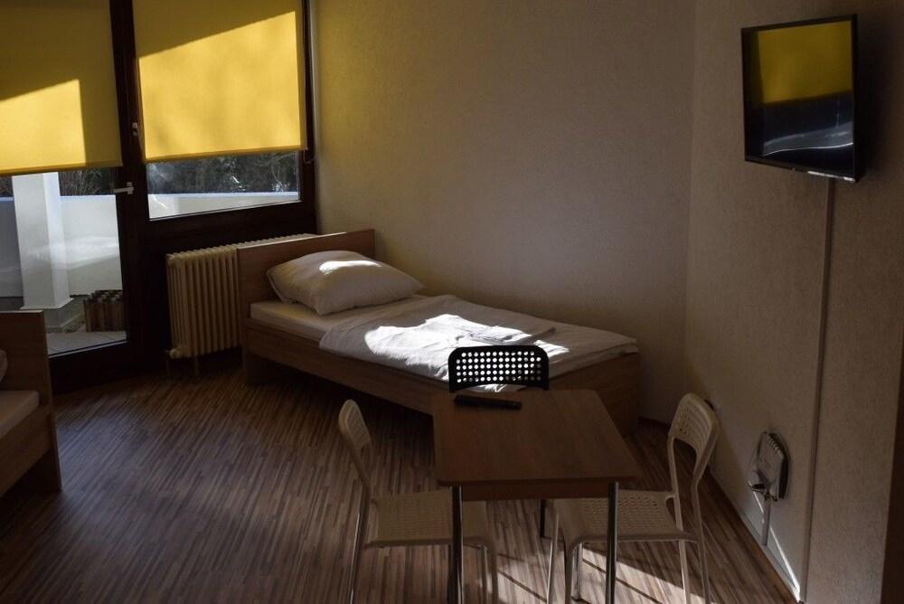AB Apartment 40