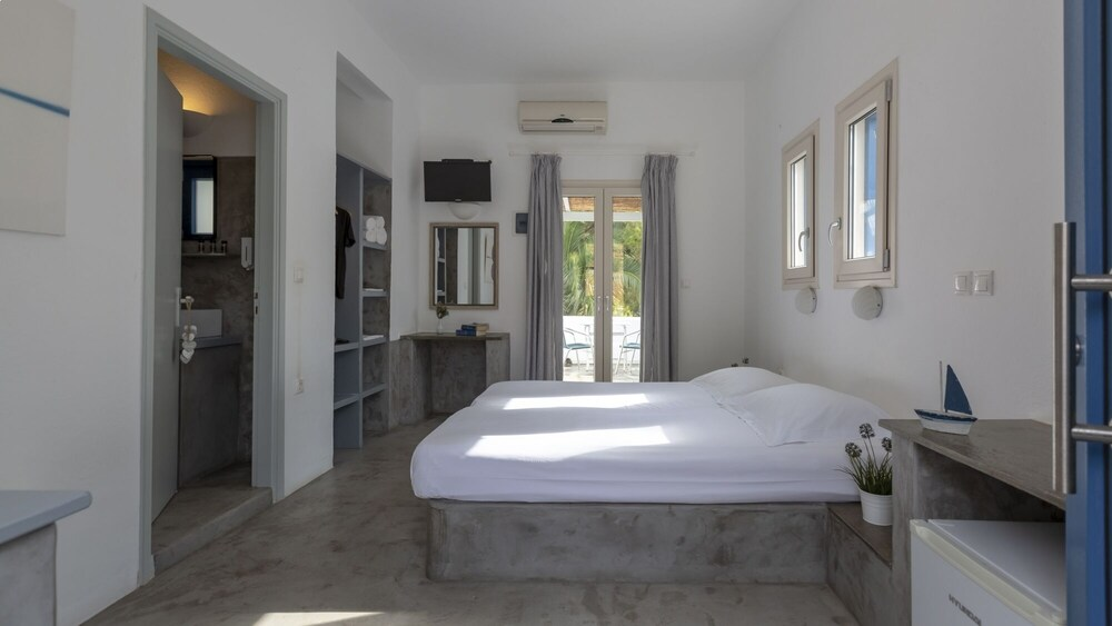 Gallery image of Coral Bungalows