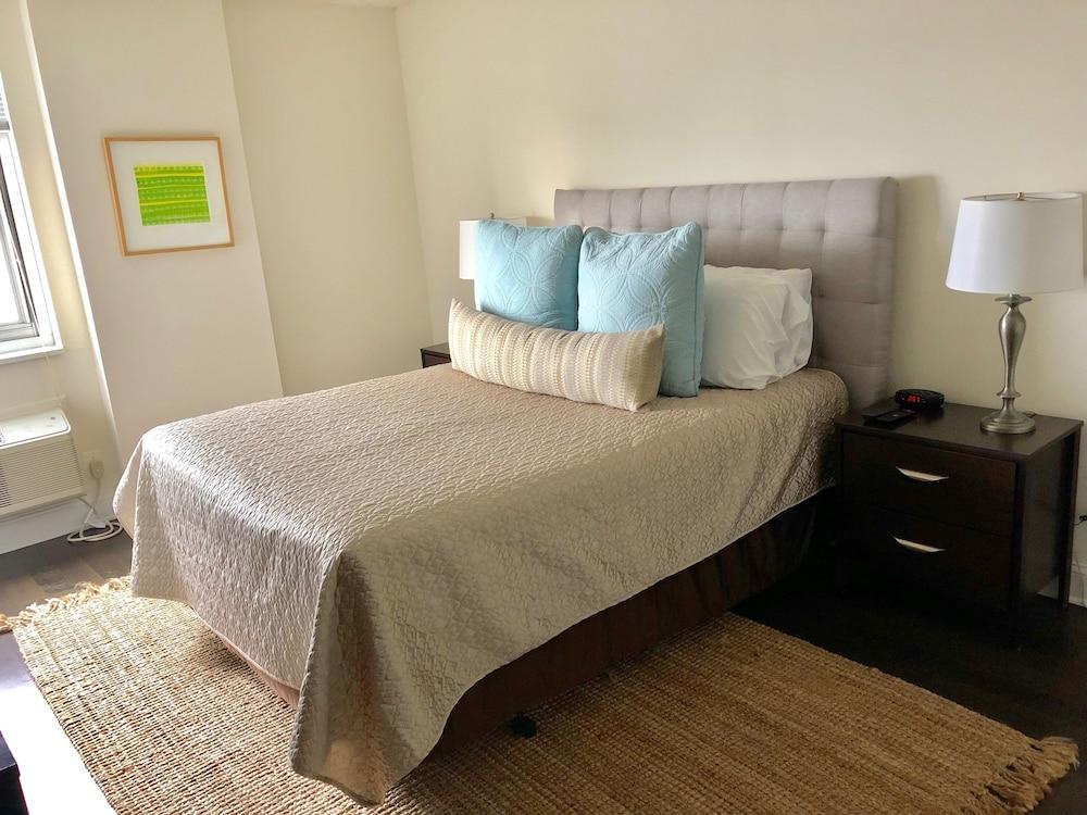 Cook City Suites Locust Street