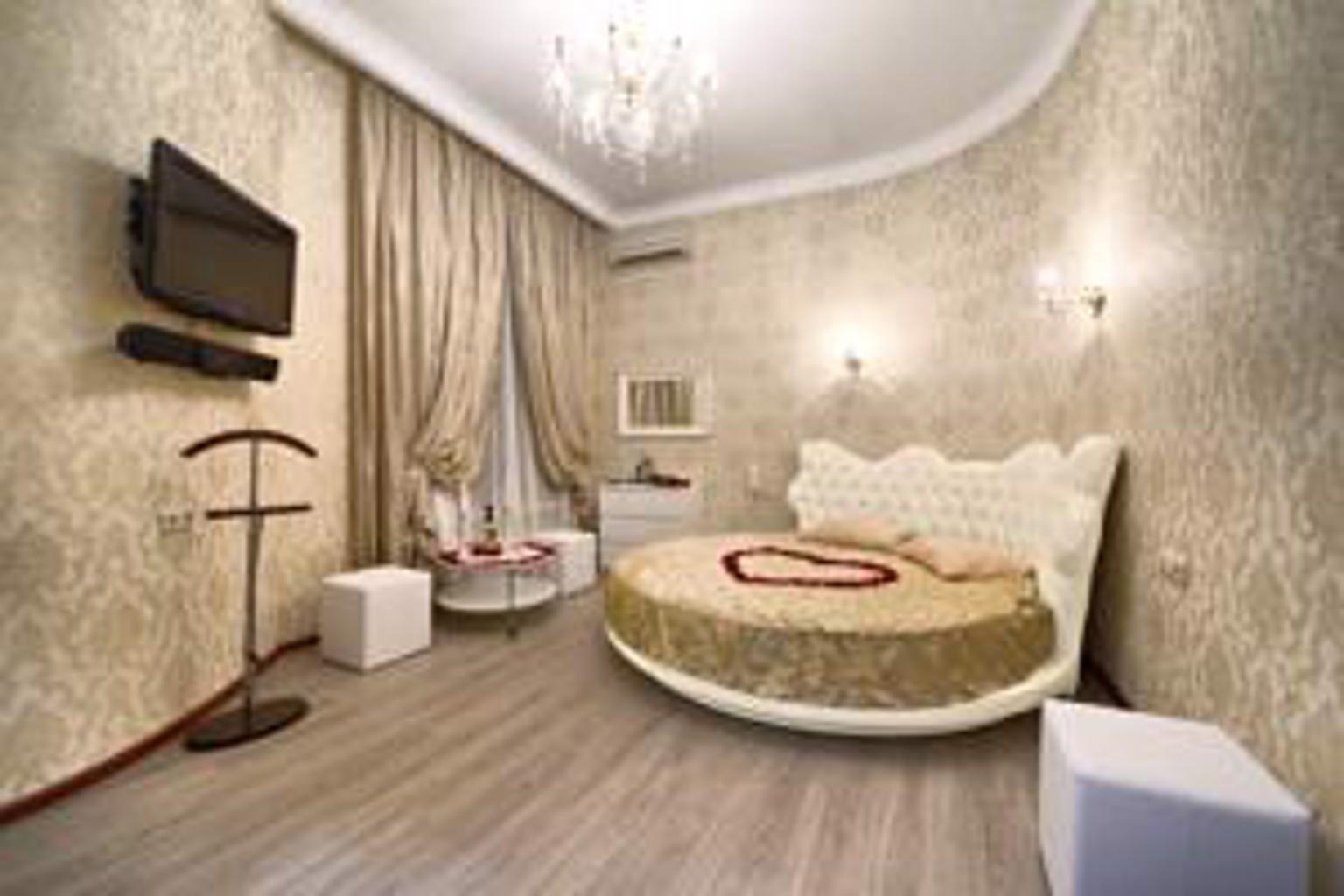 Alex Hotel On Marata