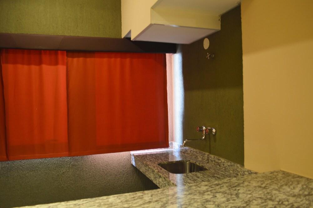 Gallery image of Aspen Hotel & Apart