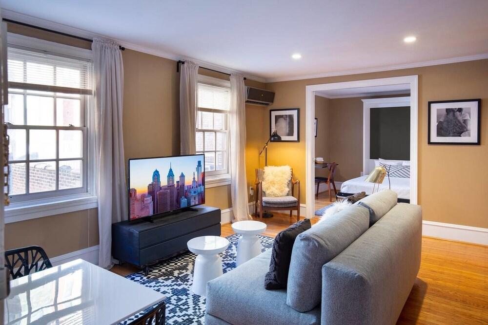 Cozy Flat In Rittenhouse W Private Roof Deck