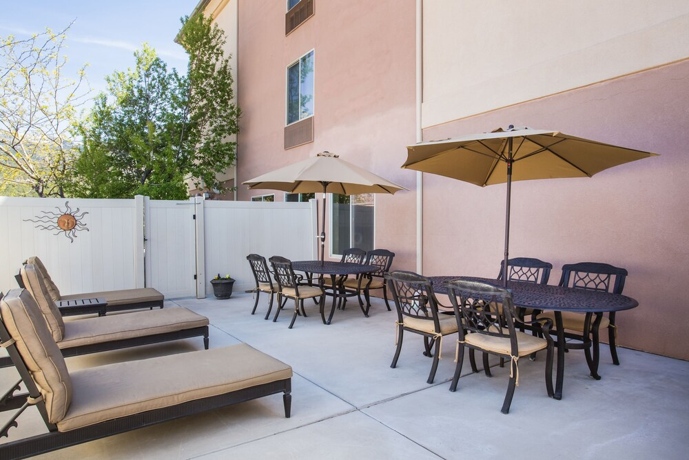 Gallery image of Holiday Inn Express & Suites Cedar City