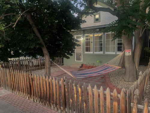 420 Smoker Friendly House Near Downtown Denver