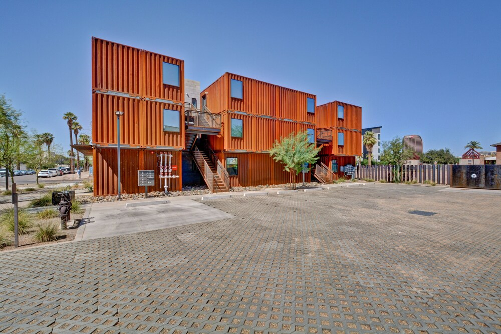 1BR Cargo Container 203 by WanderJaunt