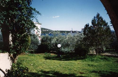 Gallery image of Argo