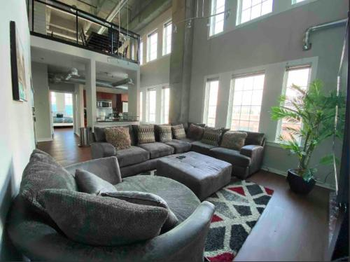 Tropical Luxury Loft Atlantic Station