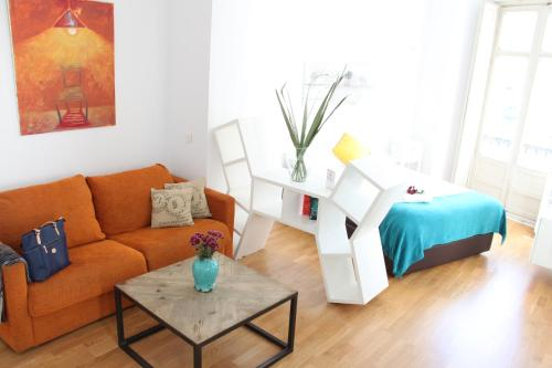 Life Apartments Calderon
