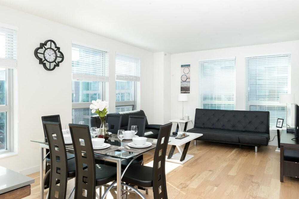 Heaven on Midtown Fully Furnished Apts