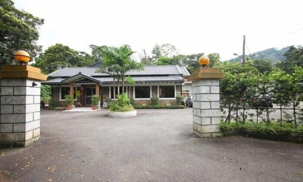 Lohas Gallery Long Stay Hostel