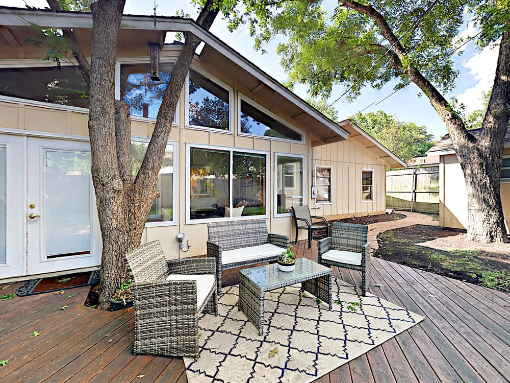 Pack Saddle 4611 House 3 Br home by RedAwning