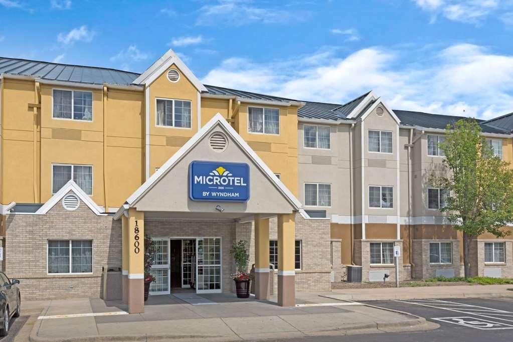 Microtel Inn & Suites By Wyndham Denver