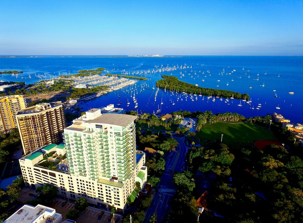 iCoconutGrove Luxurious Vacation Rentals in Coconut Grove