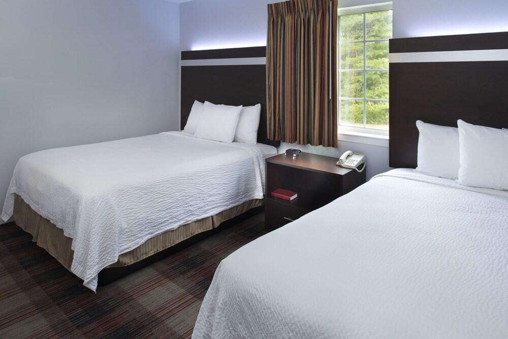 Gallery image of Luxbury Inn & Suites