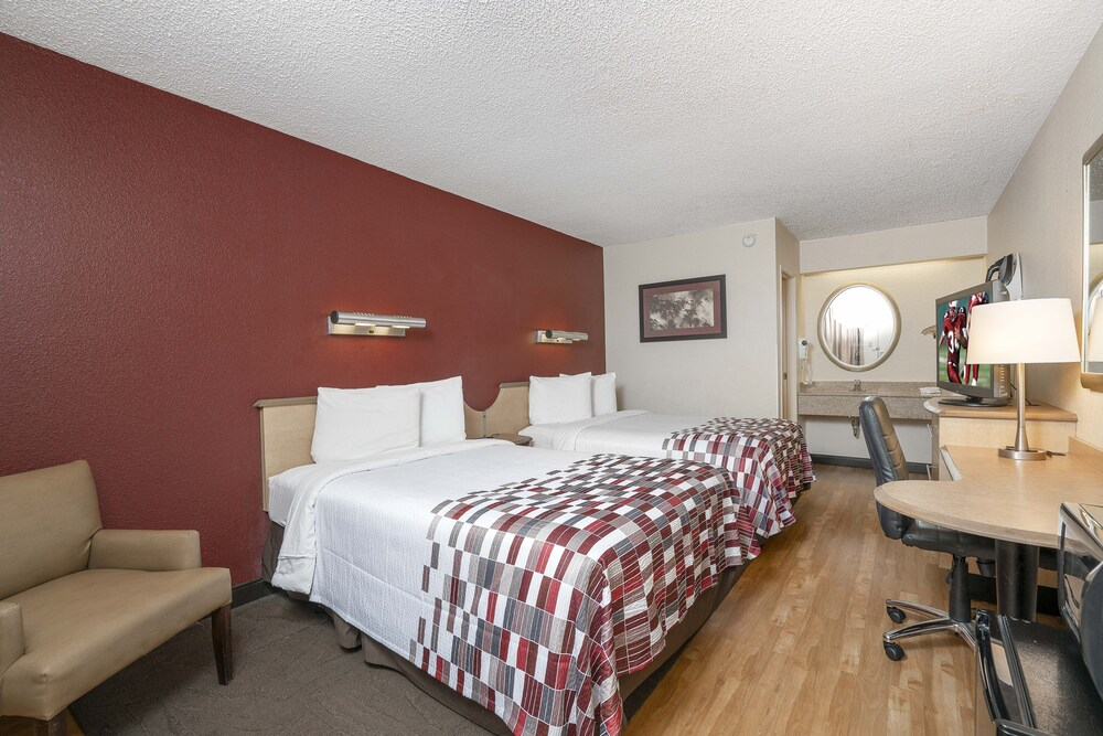 Gallery image of Red Roof Inn Detroit Dearborn Greenfield Village
