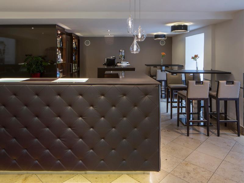 Austria Trend Hotel Rathauspark (آوستریا ترند هتل راتاوسپارك) Bar