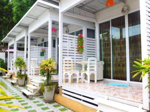 OYO 841 Lom Talay Resort