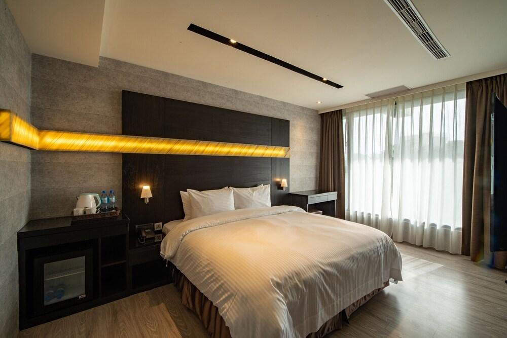 Fengjia Hotel Bell