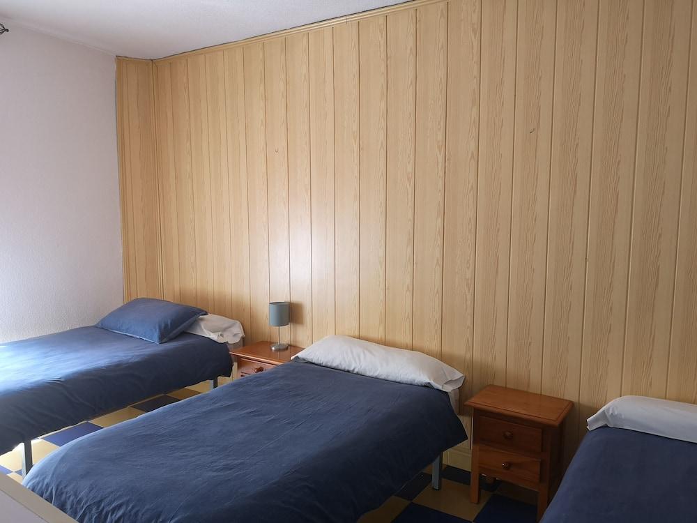 Gallery image of Hostal avenida 57