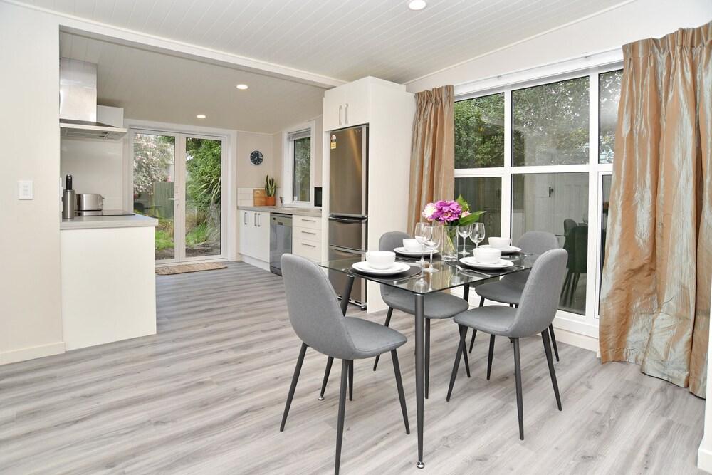 Albemarle Villa Christchurch Holiday Homes