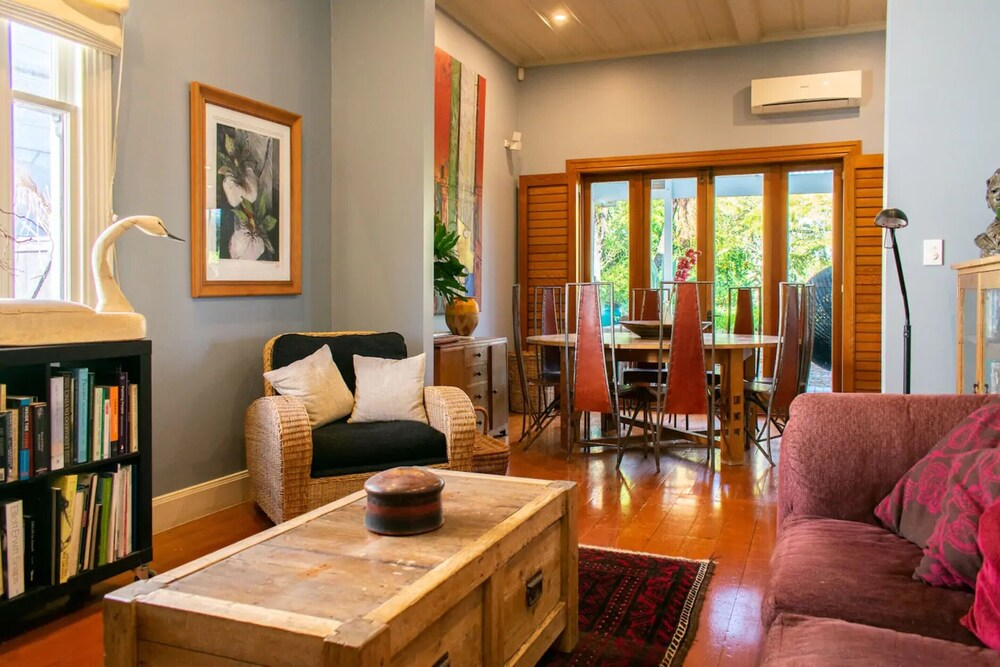 Characterful 2 Bedroom Ponsonby Villa With Private Garden