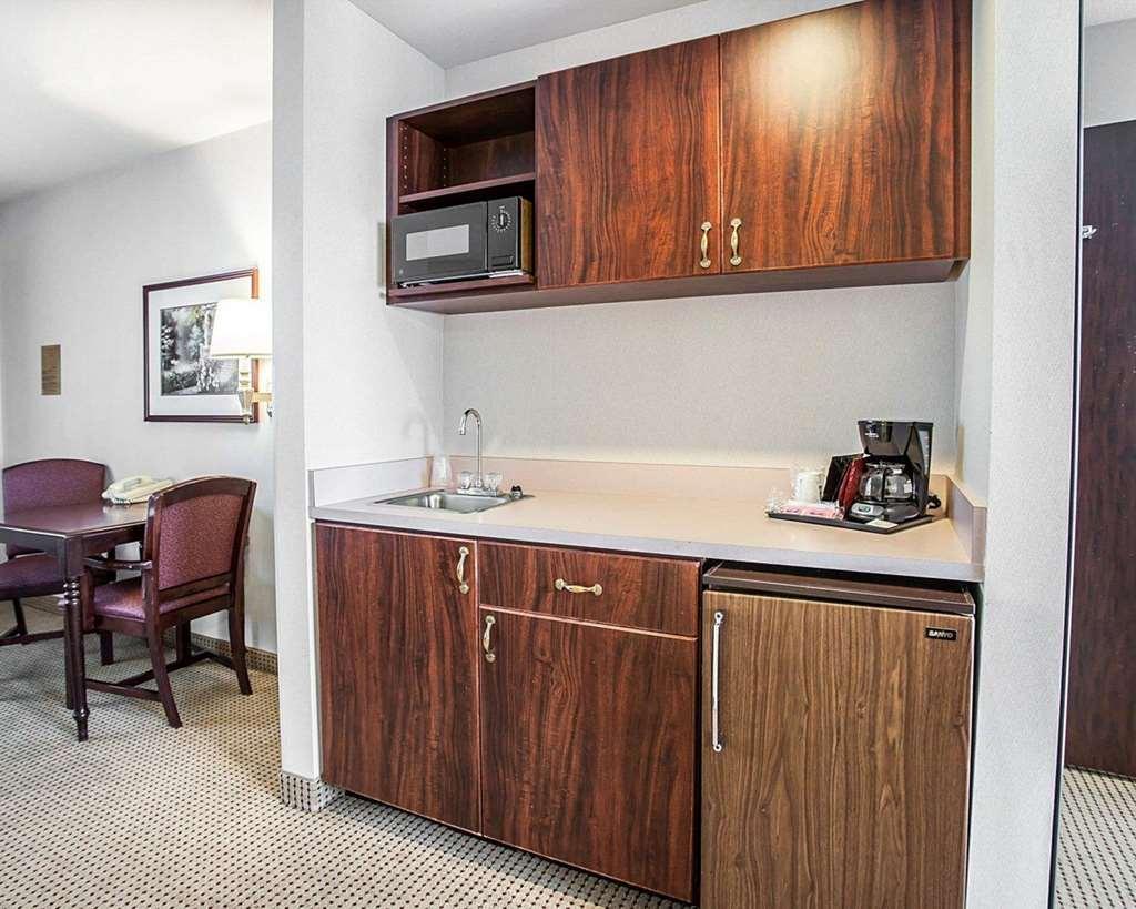 Gallery image of Quality Inn Grand Suites Bellingham