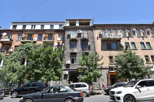 Retrocity Apartments At Movses Khorenatsi 3