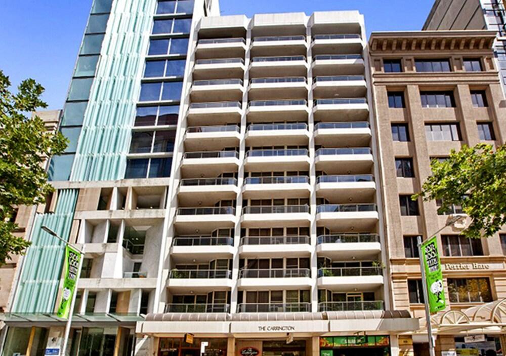Sydney CBD 2 Bedroom Apartment with Balcony