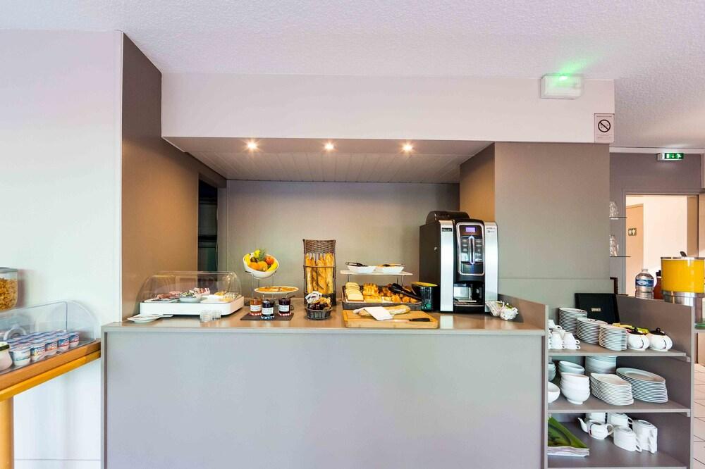 Gallery image of The Originals City Hôtel Agora Nantes Ouest
