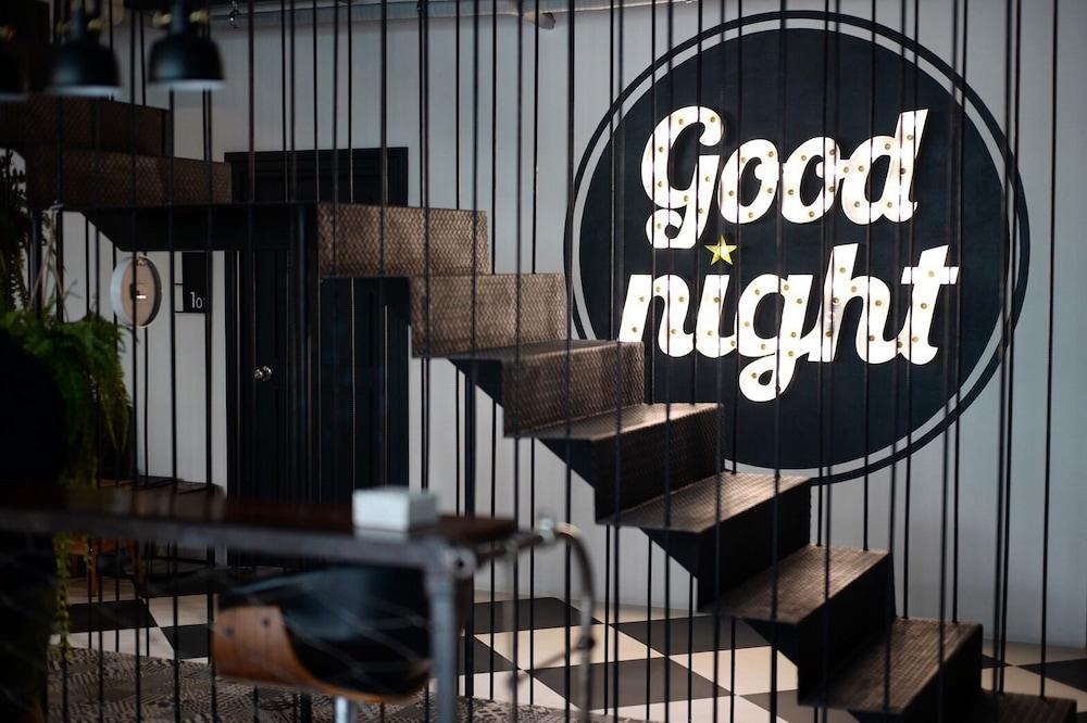 Goodnight Poshtel