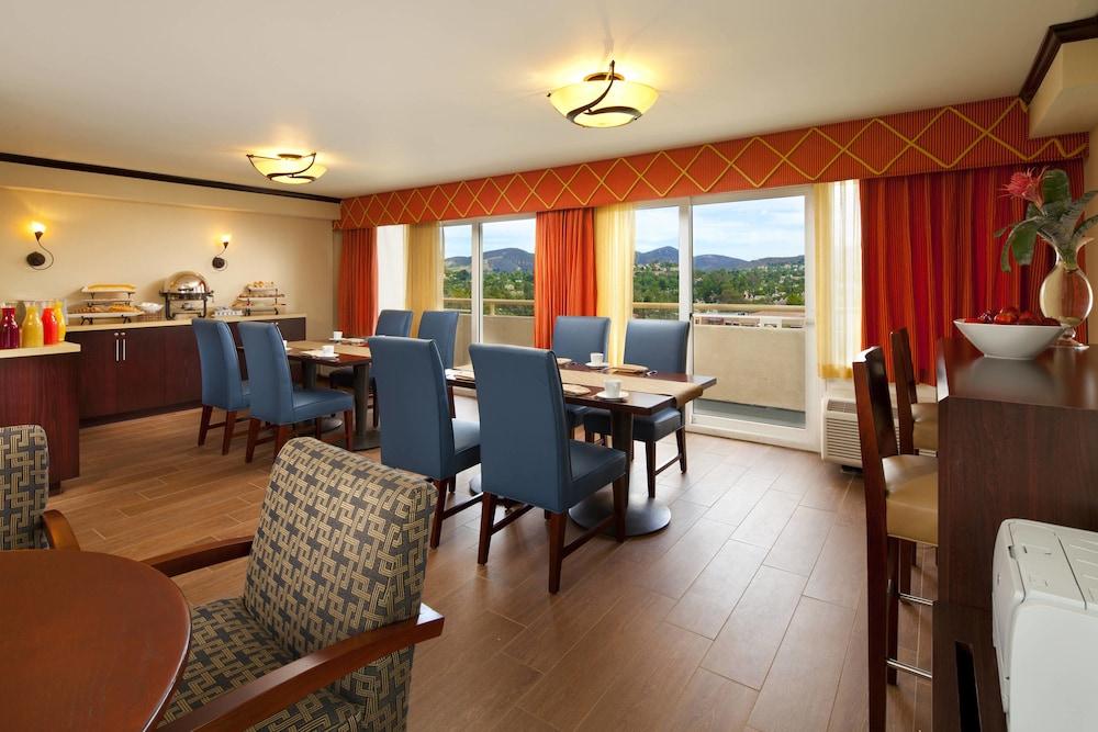 Gallery image of Sheraton Agoura Hills Hotel