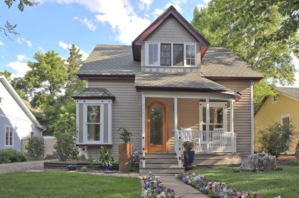 Boulder House on Mapleton Hill